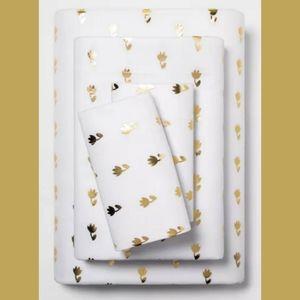 Room Essentials tulip sheet set T/Txl
